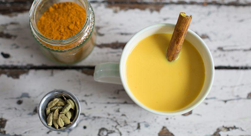 16 Amazing Benefits Of Turmeric Milk (Haldi Doodh)