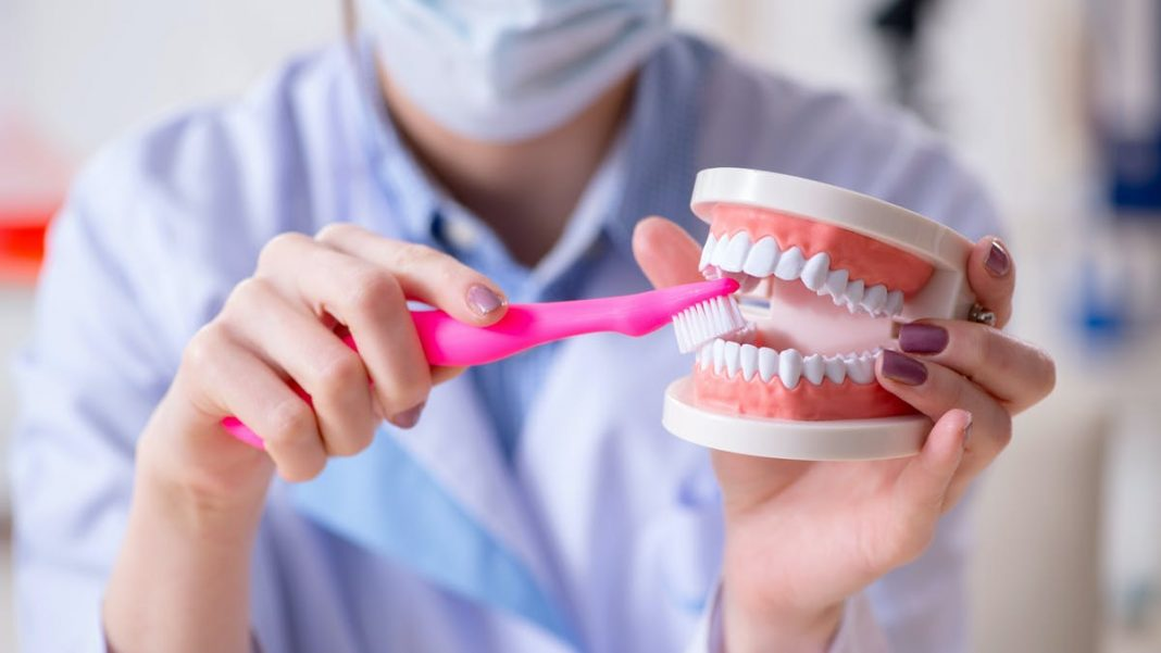 How to Know Whether You Are Cleaning Your Teeth Properly